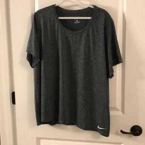 NIKE Workout Shirt NWOT